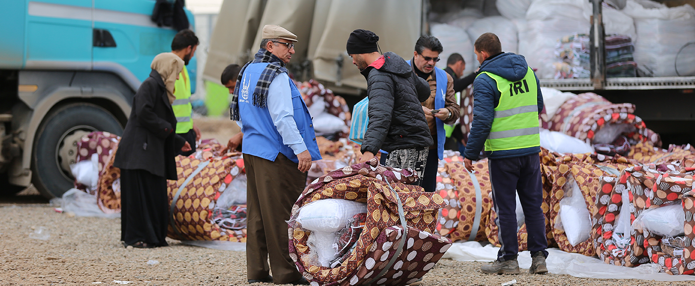 Distributing NFI (Non-Food Items) to Mosul IDPs