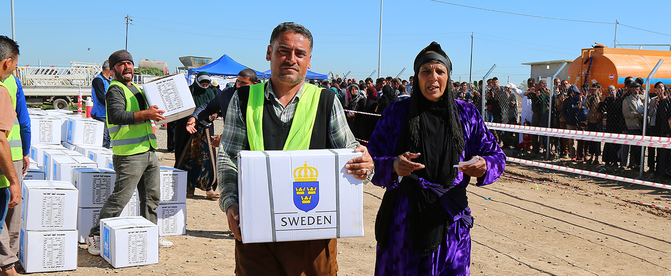 SIDA RRM - Distributing food parcels to Mosul IDPs